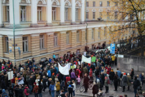 The march has started. The photo was taken with solar powered camera. Photo: Tiina Junno